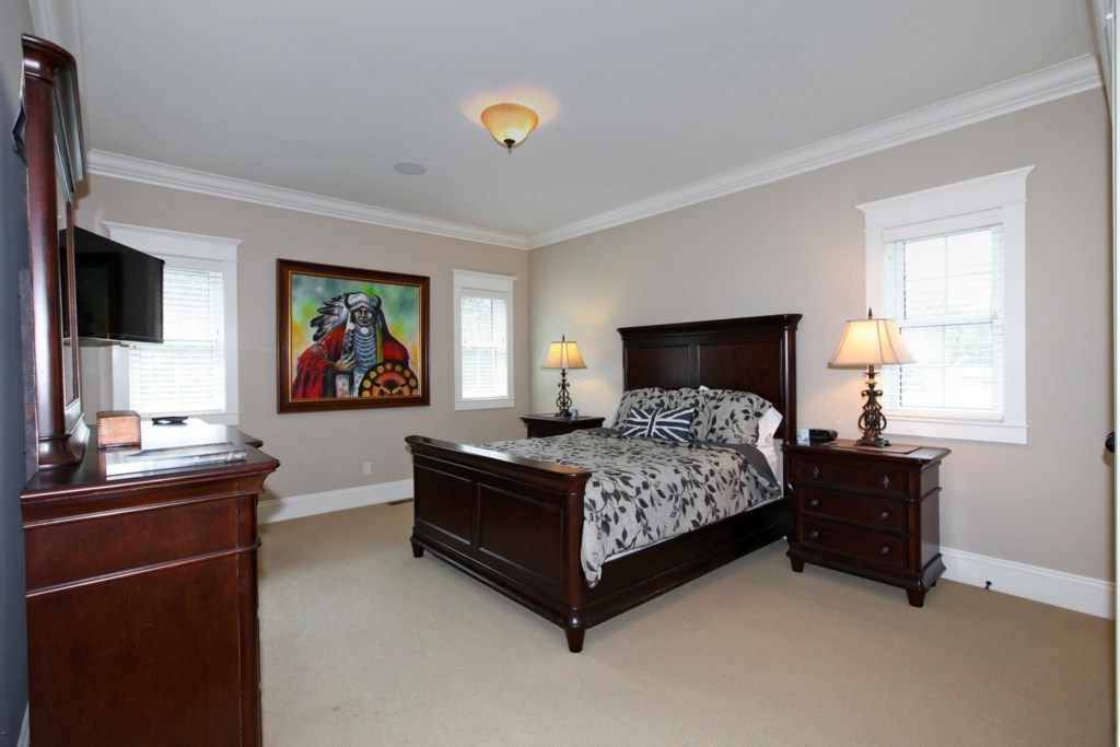 Large Bedrooms - Six Nations - Niagara-on-the-Lake