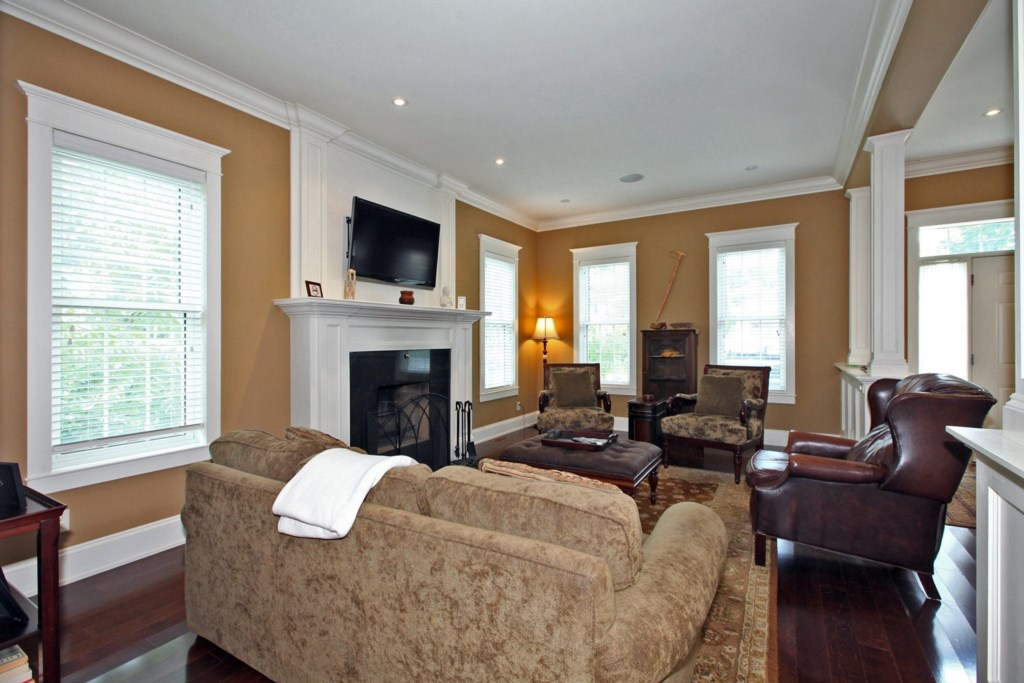 Living Room - Six Nations - Niagara-on-the-Lake