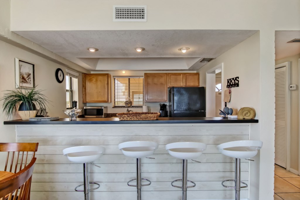 Bar stools for 4 people - Great for entertaining