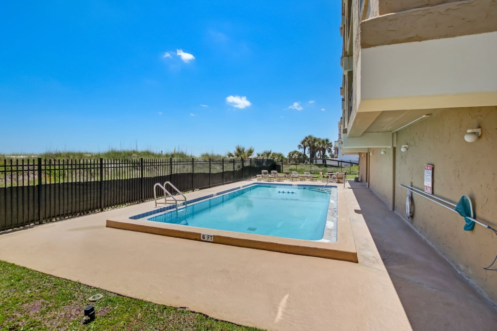 Complex community pool - Included!