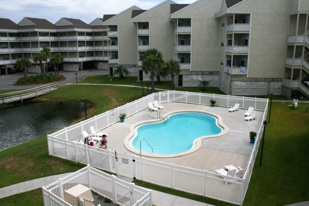 Baywatch Community Pool