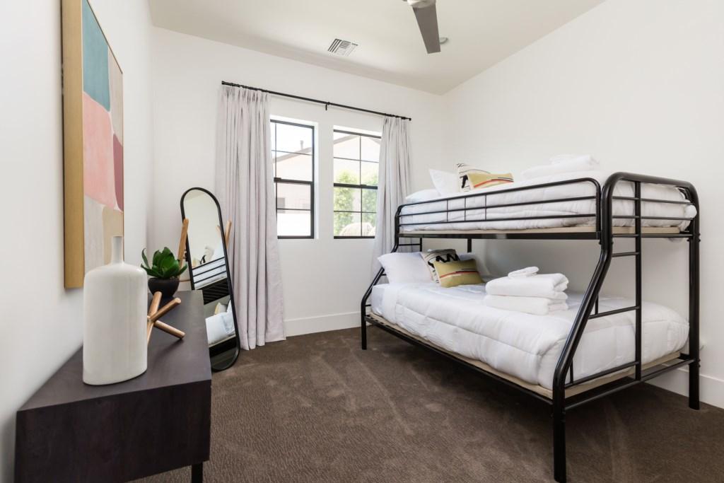 Third bedroom with en-suite bathroom