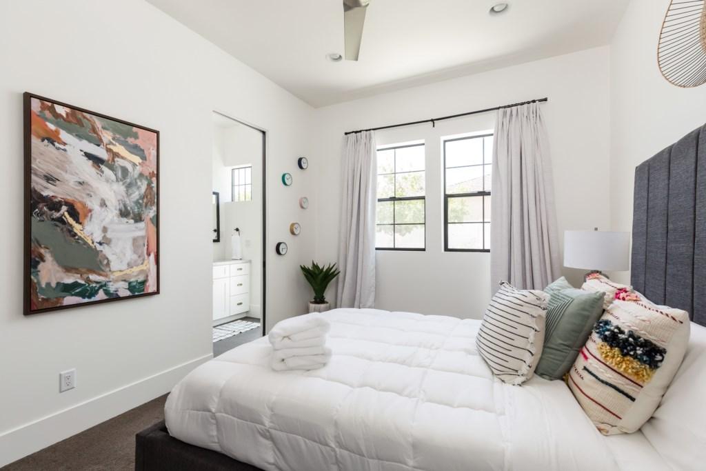 5th bedroom with en-suite bathroom
