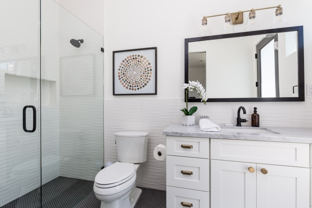 5th bathroom with walk in shower