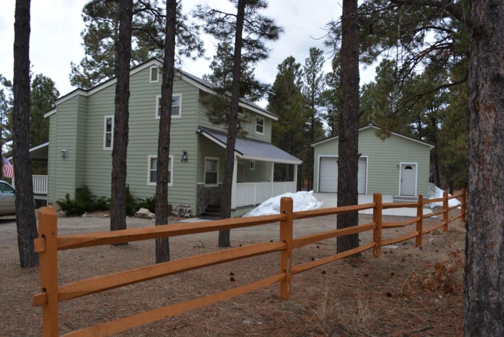 RedFox,3bedroom  bath sleeps 8 new remoodeled home