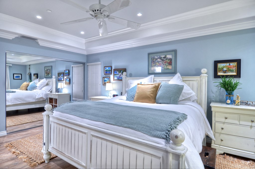 San Clemente vacation home master bed.jpg