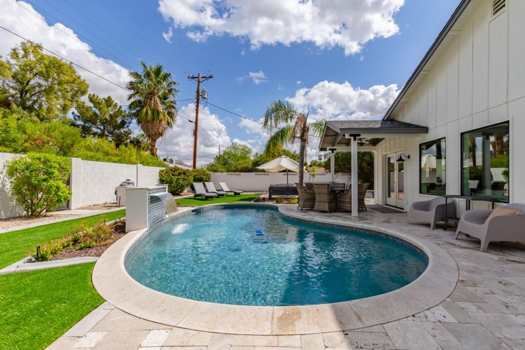 Big pool to soak up AZ sun