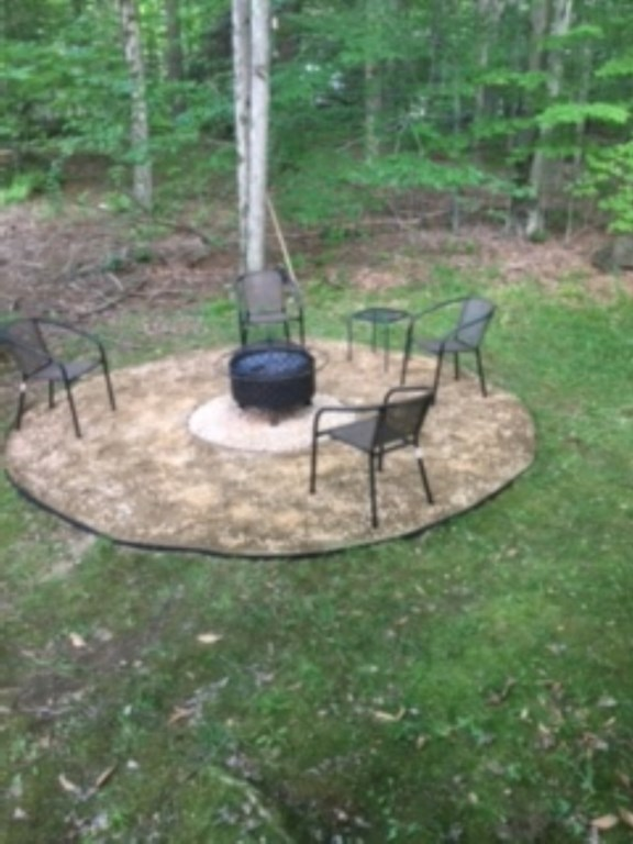 Fire-Pit Moore's Lake House in the Poconos