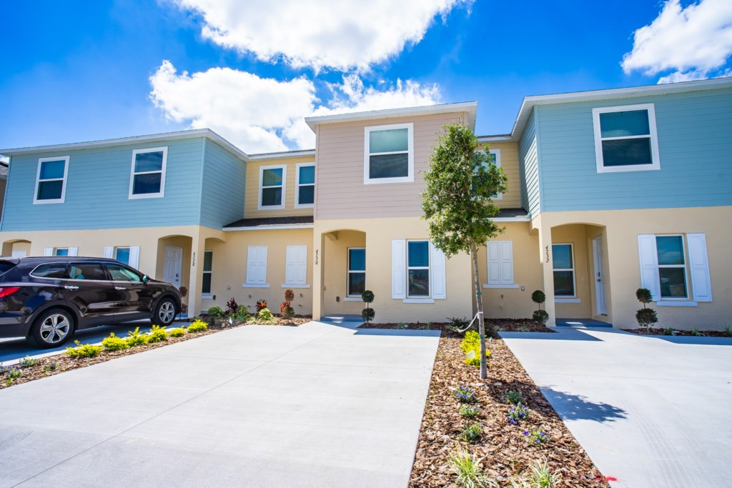 Beautiful, brand new home Fiesta Key Orlando 4730