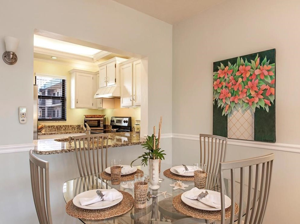 DINING ROOM FOR 4
