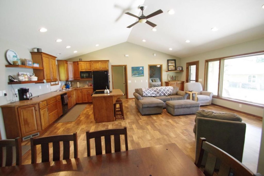 Large open living/entertaining area.