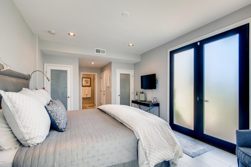 4th Bedroom (Casita) with King bed and en-suite bathroom