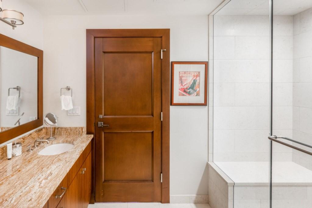 Guest master Bath.jpg