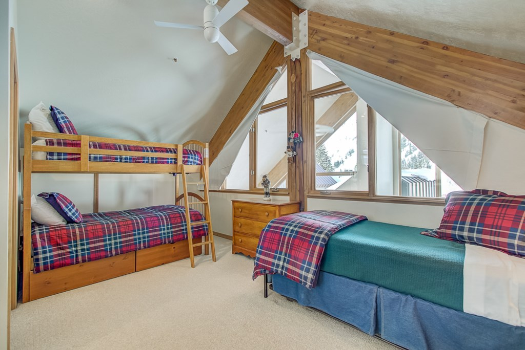 3BunkTwinBedroom