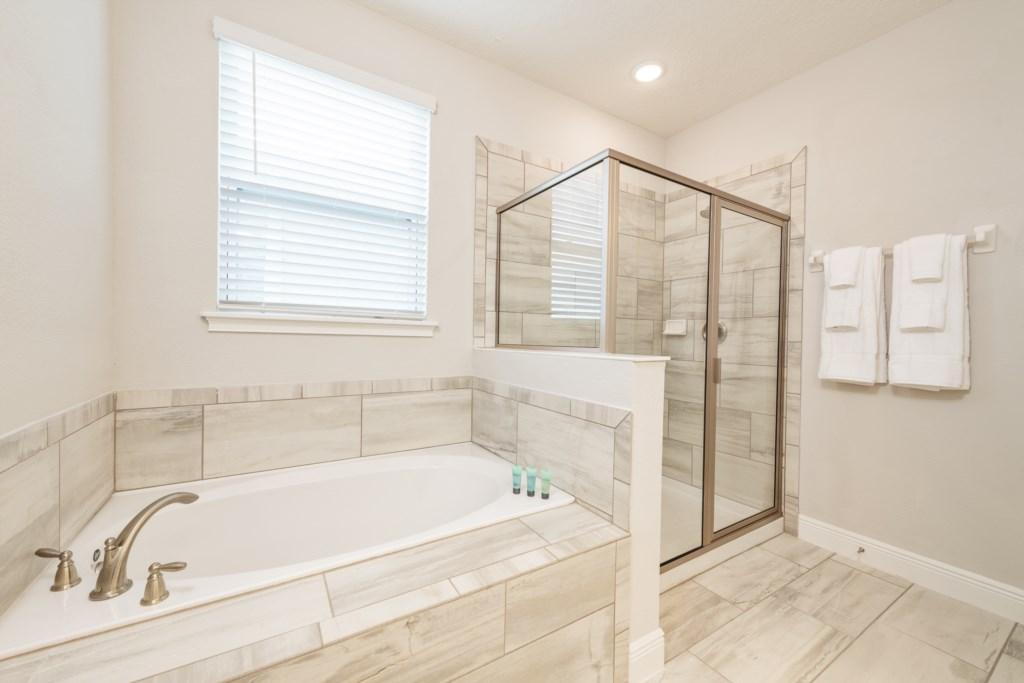 39-Bath 8-2.jpg