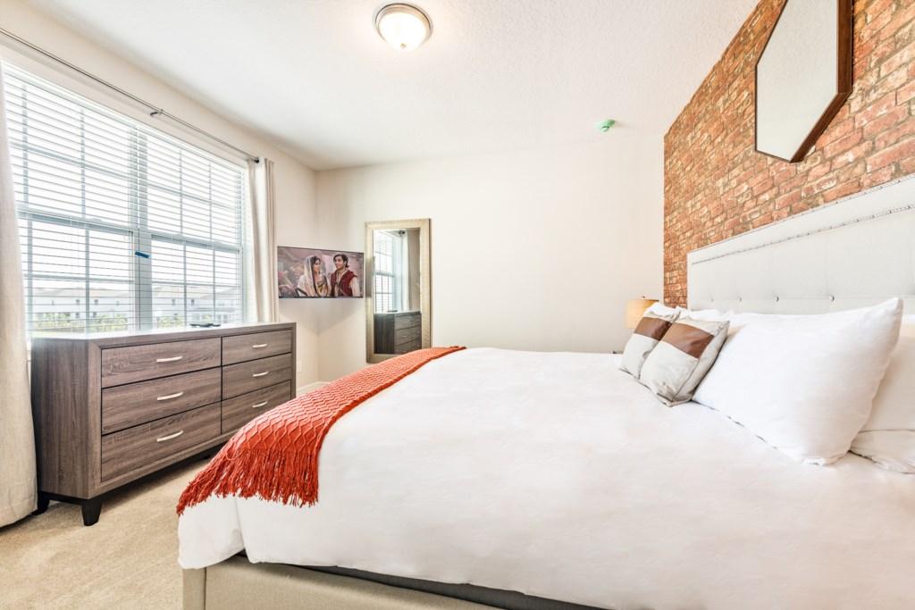 47-Bed 11-2.jpg