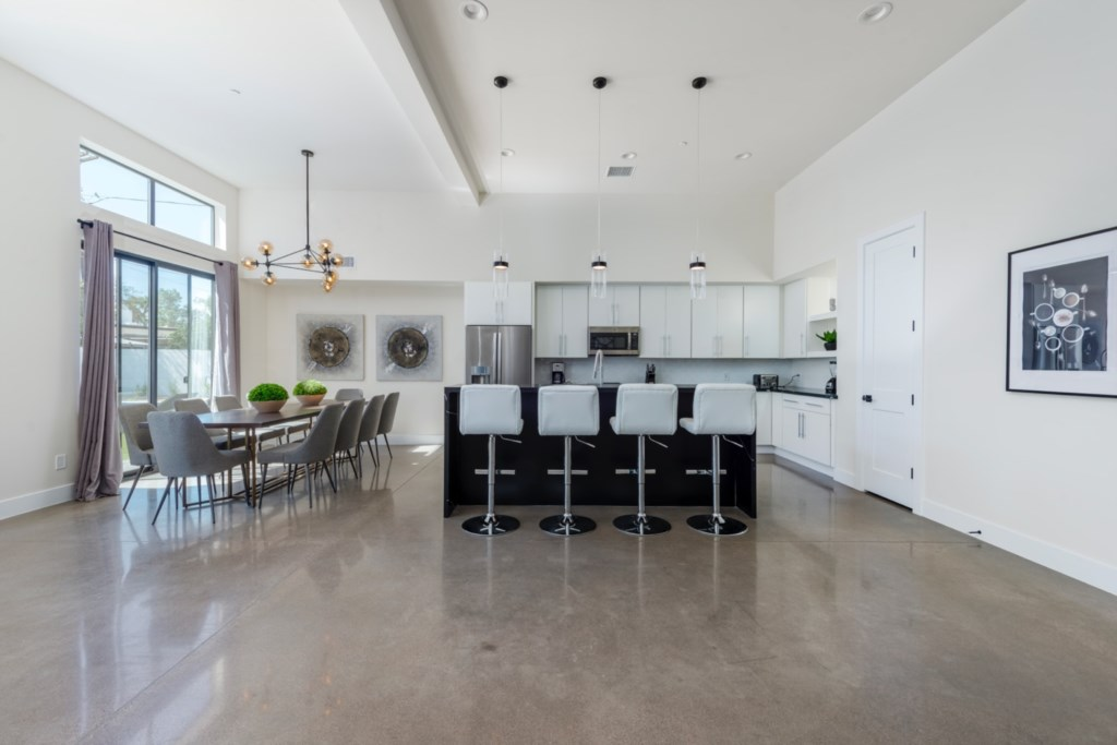 Large kitchen and dining!