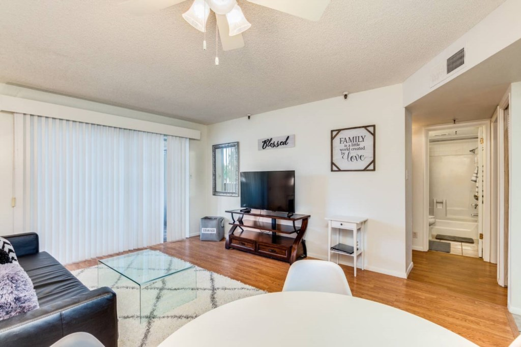 Incredible 2 Bedroom Old Town Scottsdale Cond