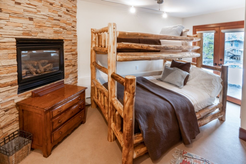 Guest Bunk bedroom with Fireplace