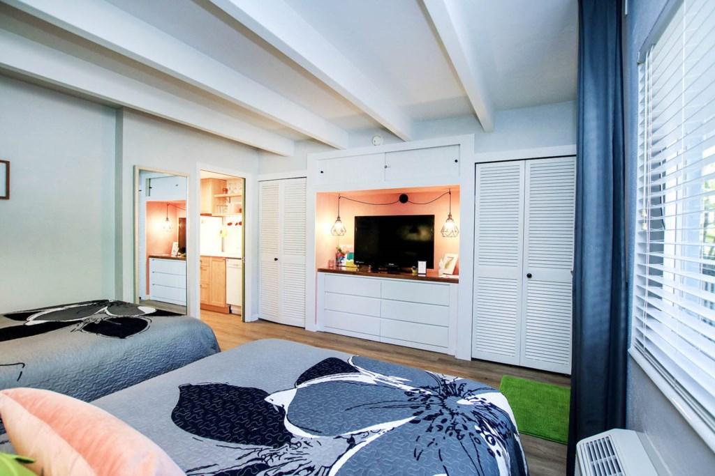 C4 Bedroom b.jpg