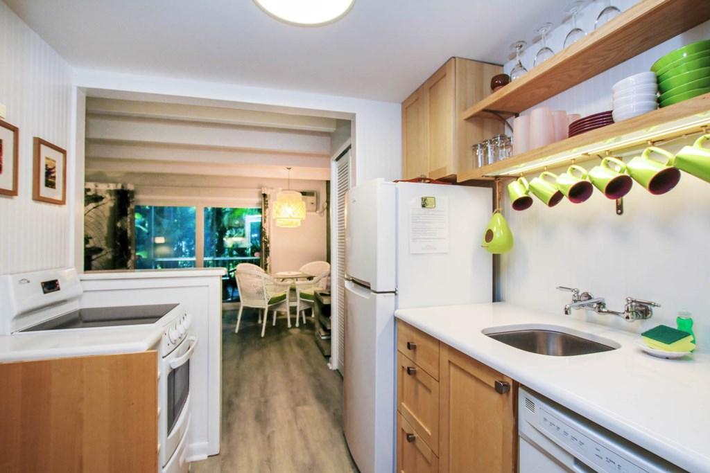 C4 Kitchen a.jpg