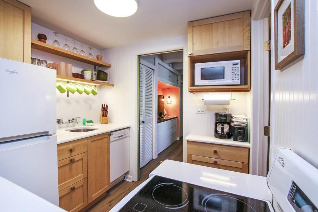 C4 Kitchen c.jpg