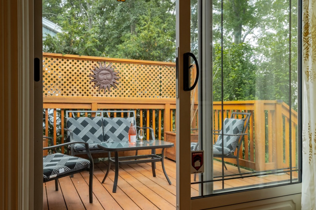 Private back deck - Five Point Cottage - Niagara-on-the-Lake