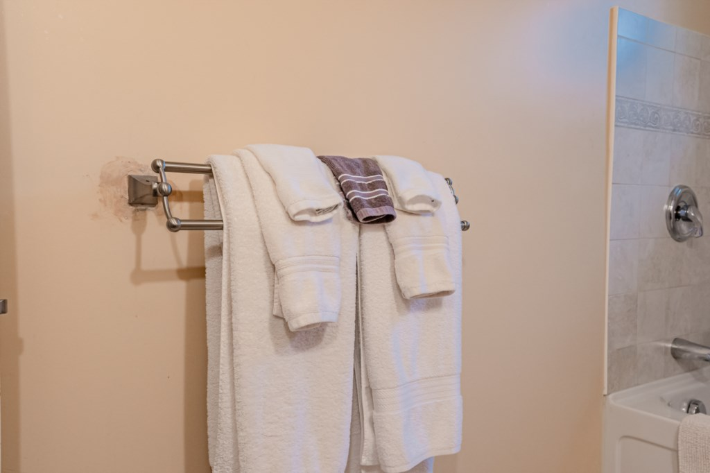 Towels provided - Five Point Cottage - Niagara-on-the-Lake