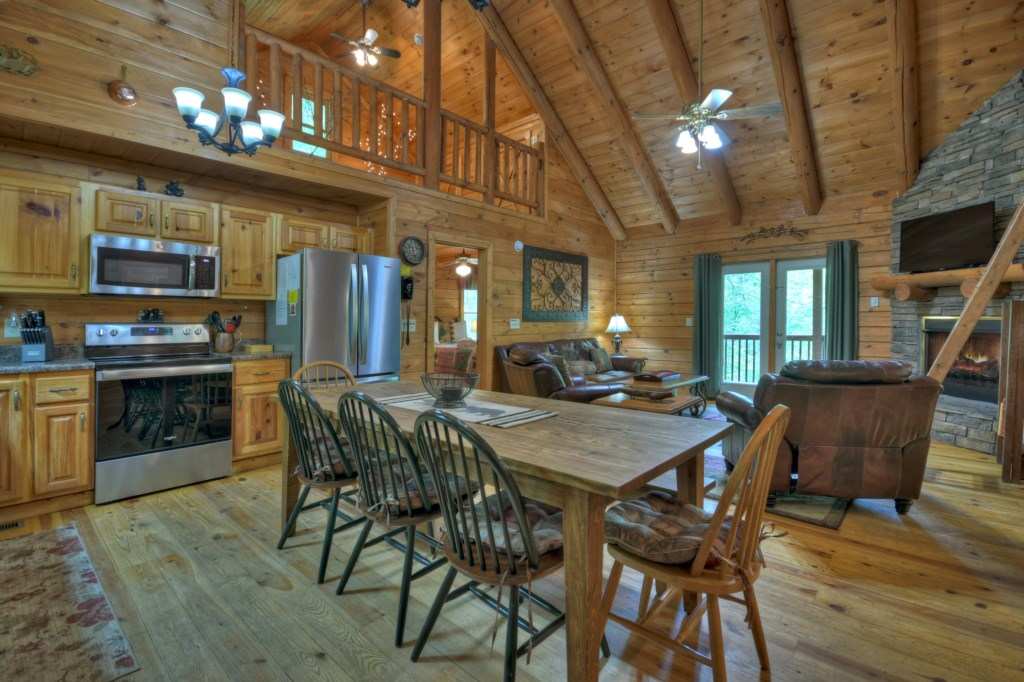 The cabin hosts high vaulted ceilings and being open plan is ideal for large gatherings