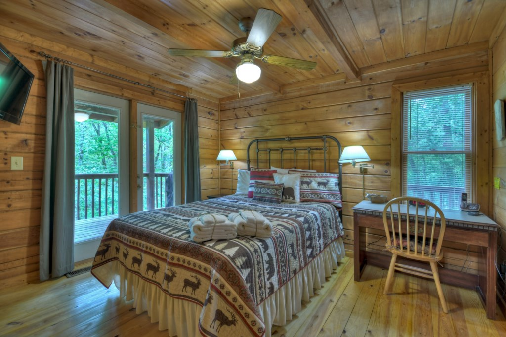 Large Bedroom with outdoor area