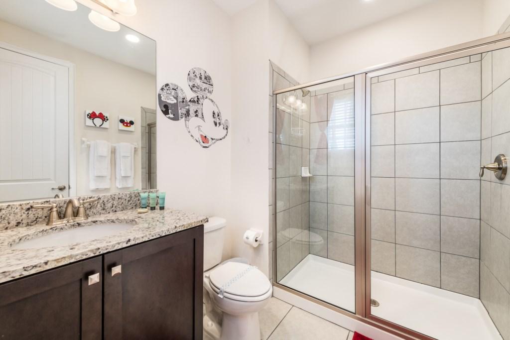 16-Bath 2.jpg