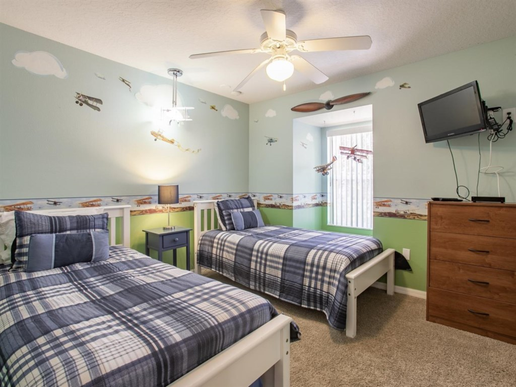 Beautiful twin room that the children will enjoy staying in.