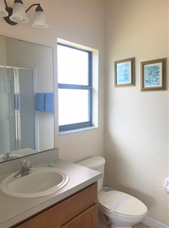 10.MasterEn-suitebathroomwithshowerWC