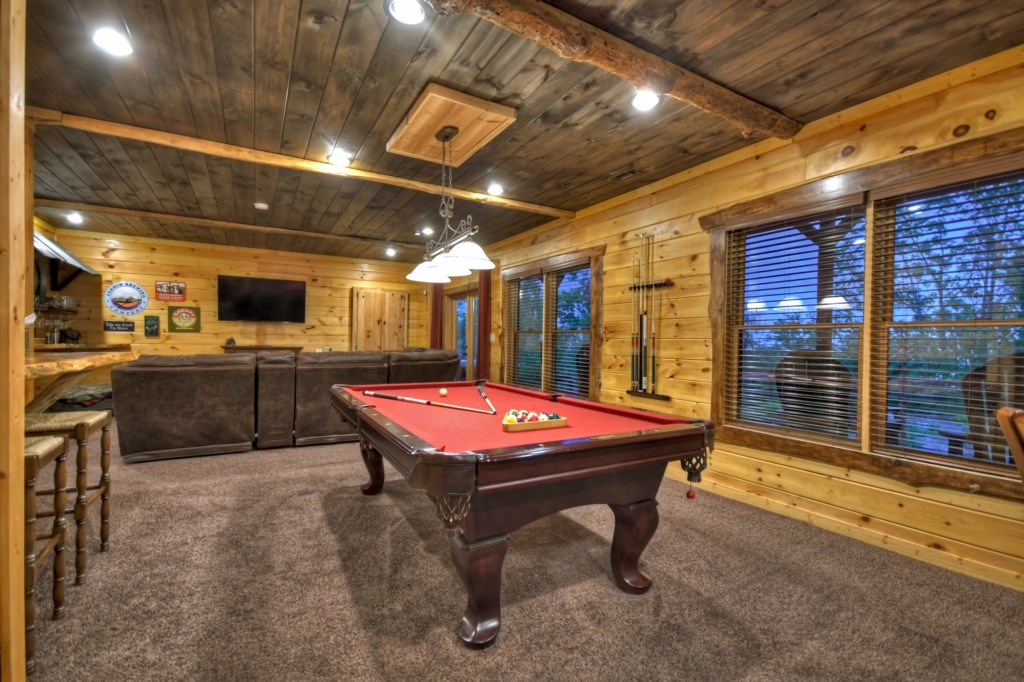 Large Game Room with Pool