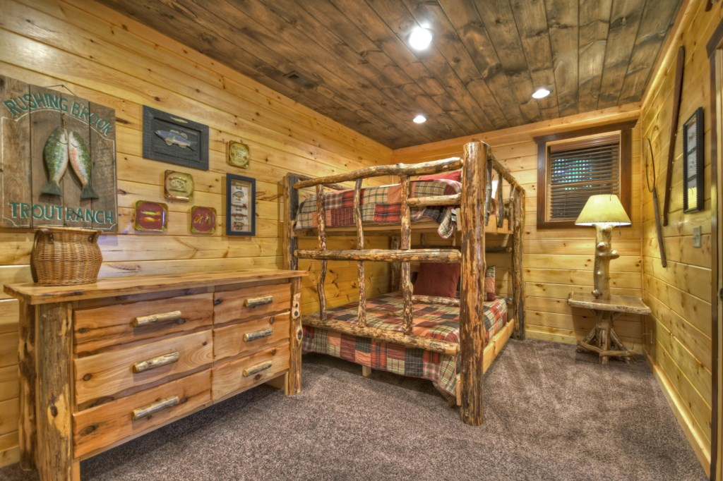 Perfect bunk bedroom for the kids to enjoy
