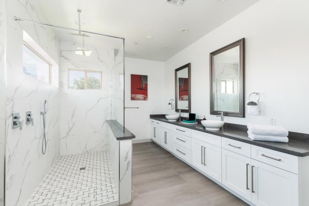 Double vanities in the bathroom
