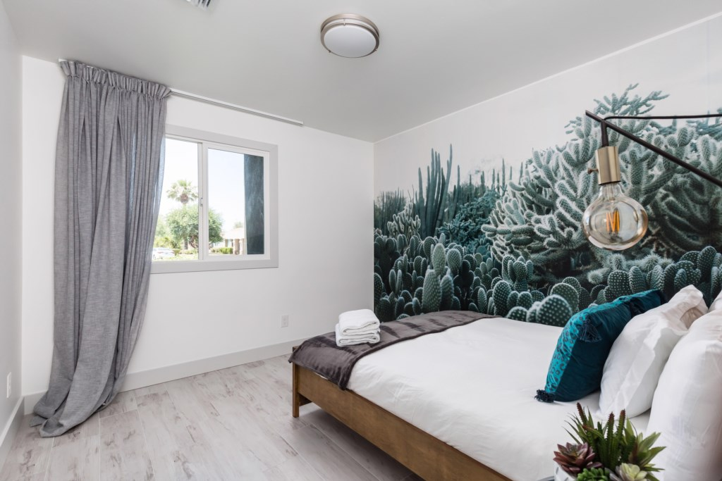 3rd bedroom with AZ nature mural
