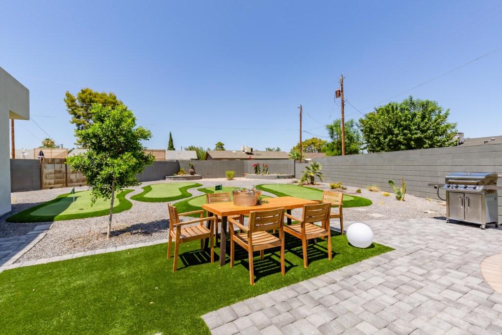 Enjoy an outdoor dinner on the patio table