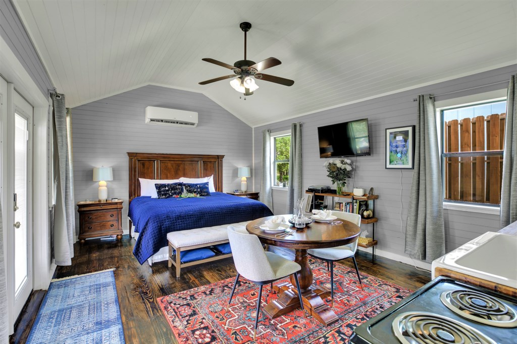The Elm Cottage is the perfect spot for your private, romantic getaway!