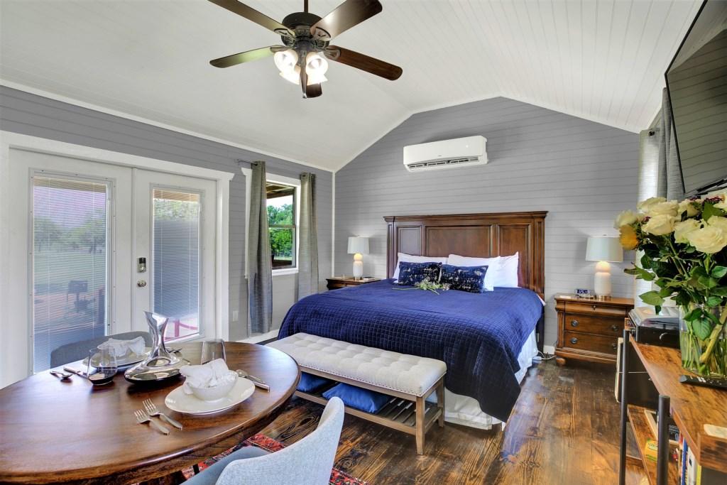 Elm Cottage Bedroom / Kitchen Photo 2 of 4