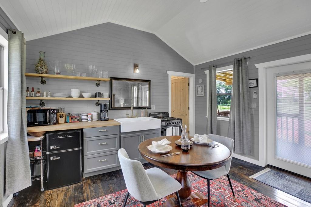 Elm Cottage Bedroom / Kitchen Photo 4 of 4