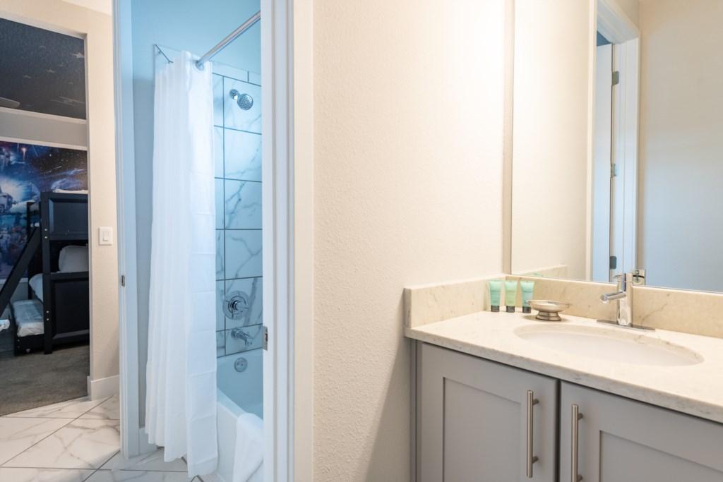 Bath 3-1.jpg