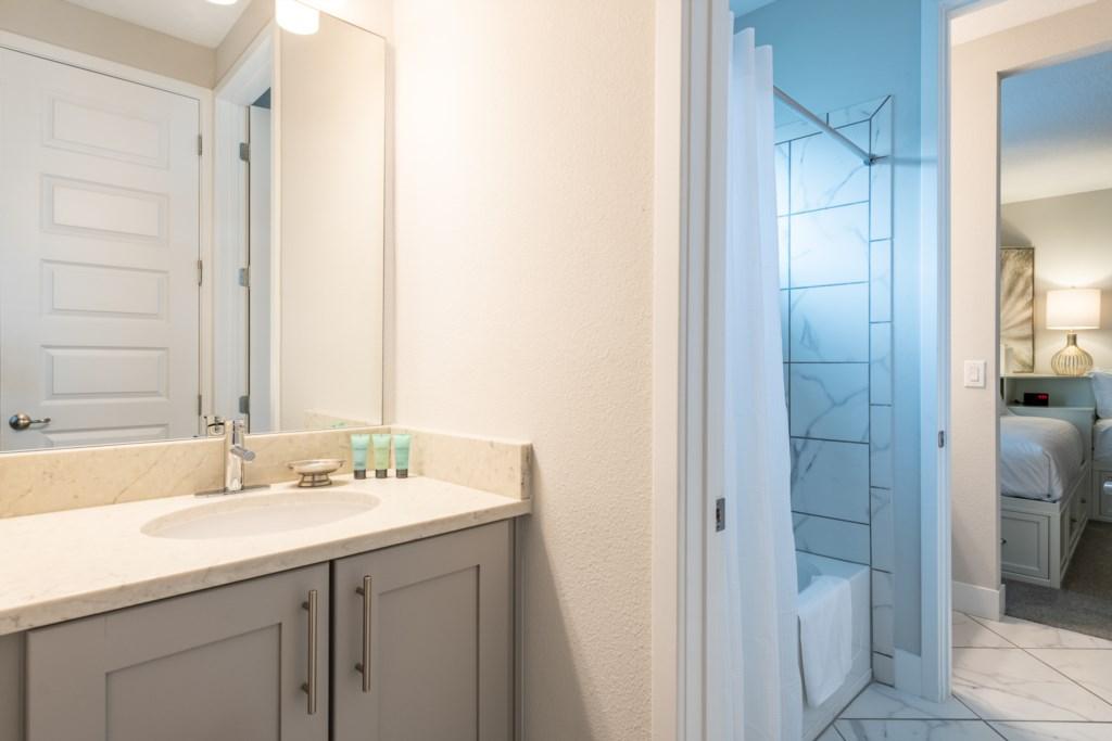 Bath 3-2.jpg