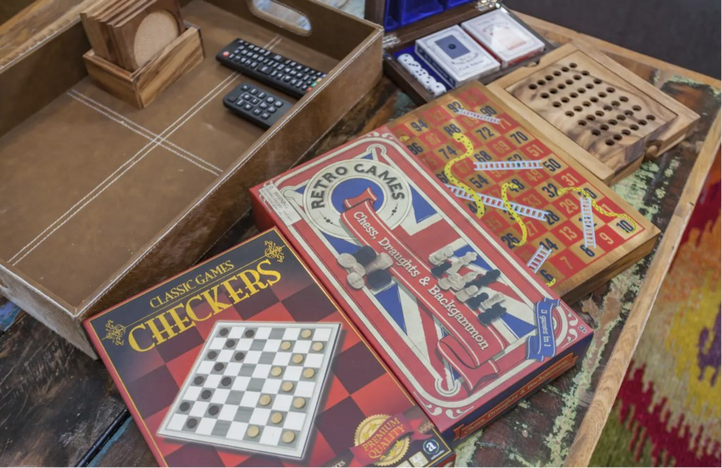 Plenty of games available to enjoy! (checkers, chess, snakes & ladders, Cards Against Humanity, etc.)