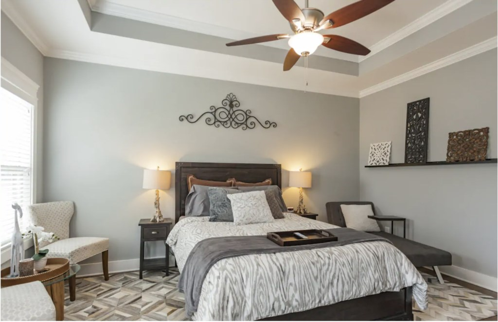 Master Bedroom with Queen bed, large flat screen TV and en-suite bathroom