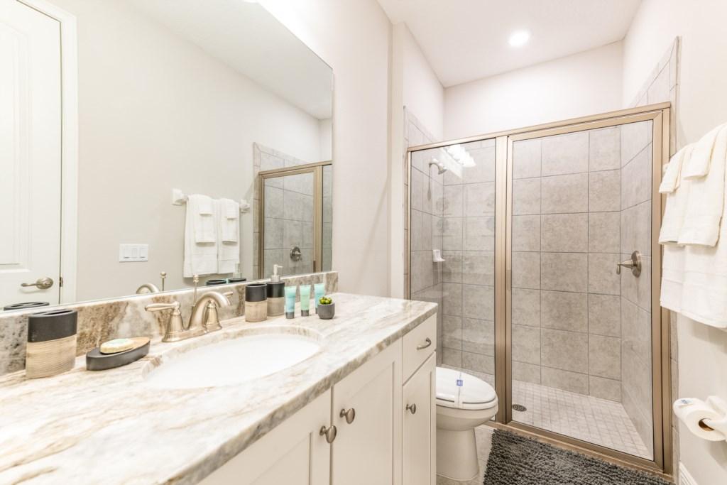 15-Bath 2.jpg