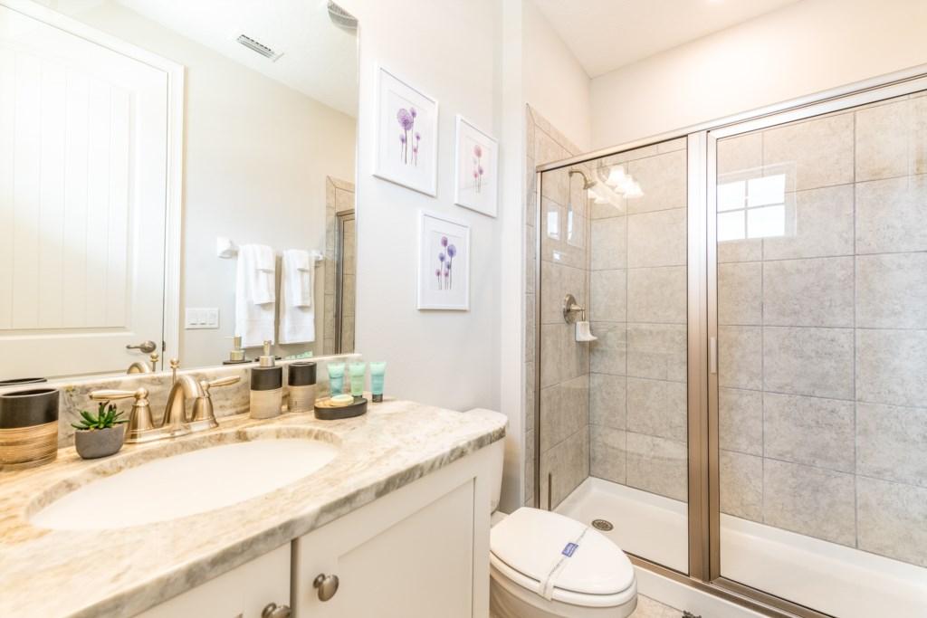 25-Bath 5.jpg
