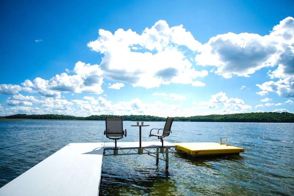Summer vacations and memories of a lifetime await you in this Franklin Lake home.