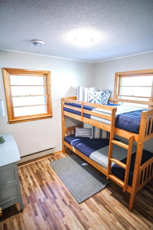 Check out this great little bunk room.
