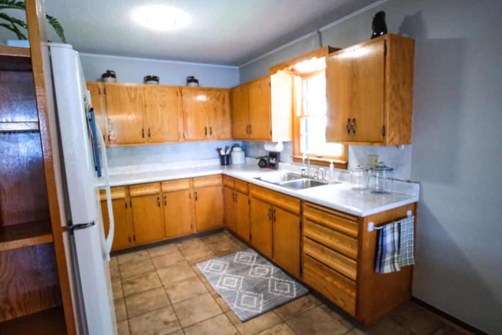 A fully equipped kitchen awaits your arrival!